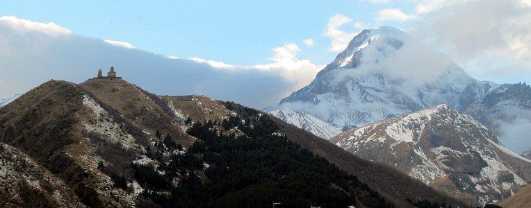 Klasztor Cminda Sameba przy Kazbegi