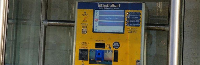 automat do kupowania karty miejskiej w Stambule