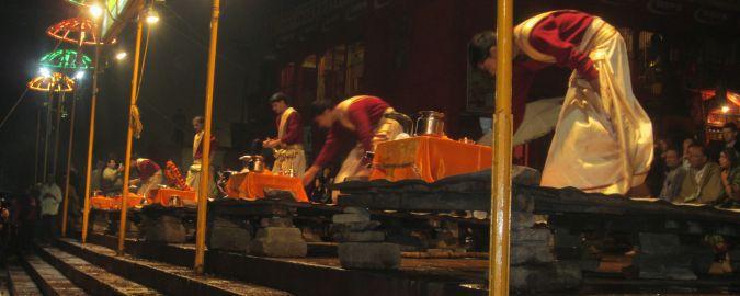 Varanasi - ceremonia ganga aarti