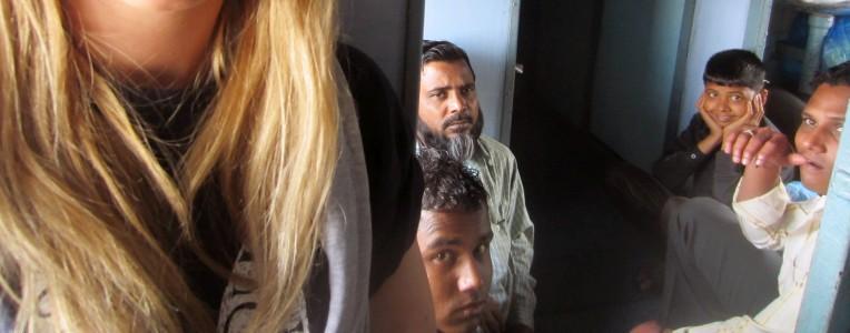 gapie w indyjskich pociągach