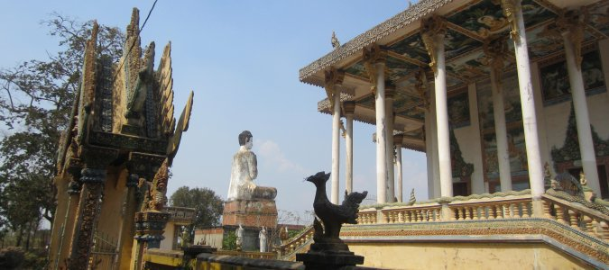Wat Ek Phnom - świątynia i Budda