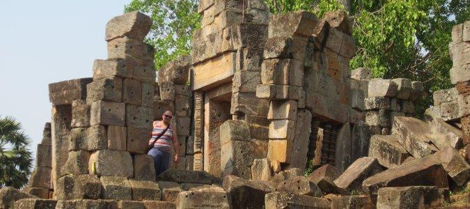 ruiny Wat Ek Phnom w Battambang