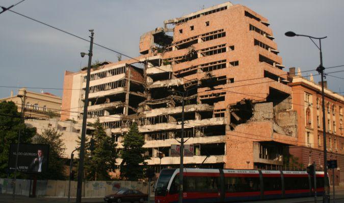 Zbombardowany budynek MSZ w Belgradzie