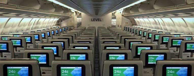 LEVEL Airlines samolot w środku