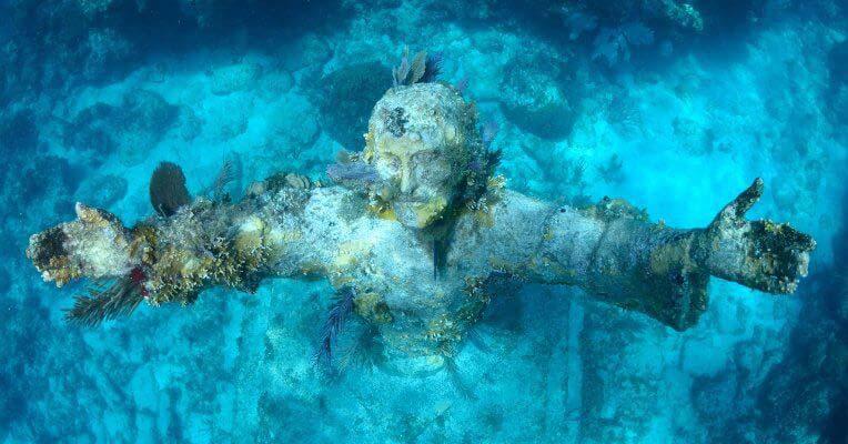 Chrystus pod wodą