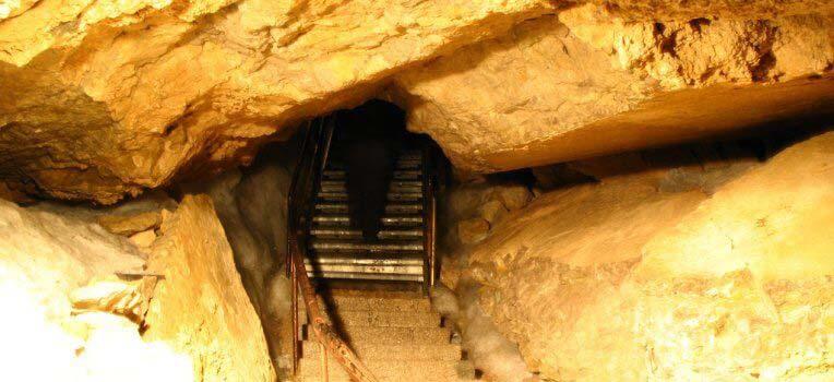 Jaskinia lodowa Rieseneishöhle w Austrii