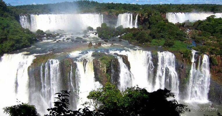 Waterfall Island w Paragwaju